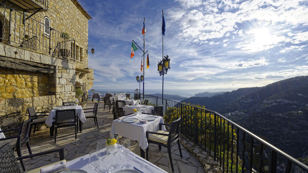 hotel-chateau-eza-galleryview-terrace-ext-2-