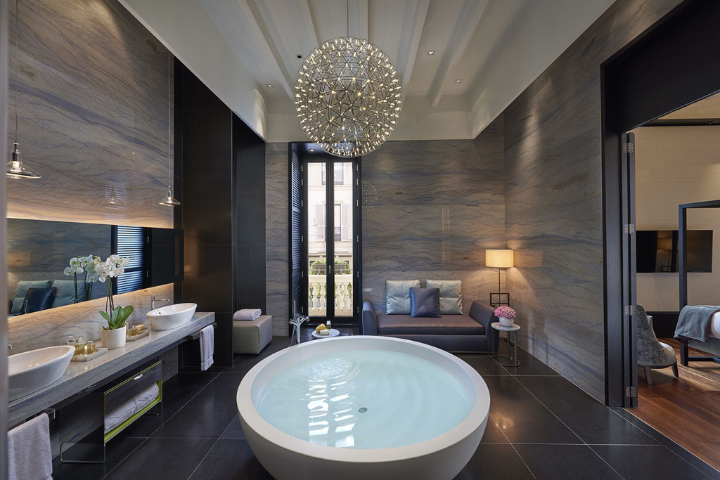 Mandarin Oriental Milan bathroom. FORBES RATES THE BEST HOTELS IN THE WORLD IN 2016   Travel for Senses