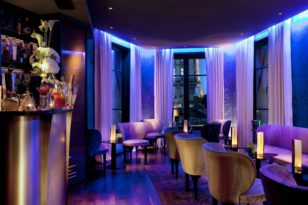 radisson blu bar