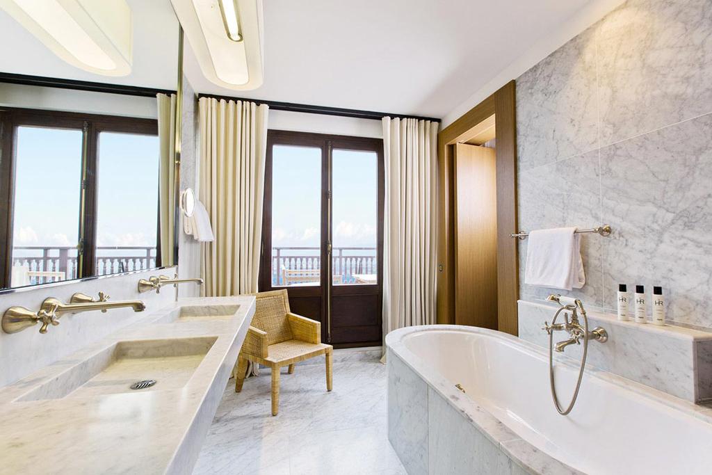 revamped hotels in europe travel for senses. Black Bedroom Furniture Sets. Home Design Ideas