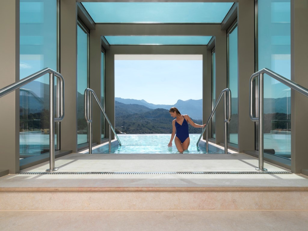 Jumeirah-Port-Soller-Hotel-Spa-Hydropool-Medium