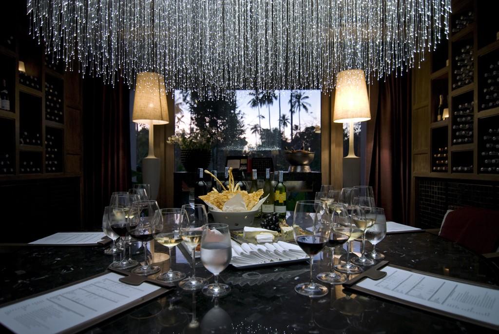 anantara_mai_khao_phuket_villas_wine_tasting_room