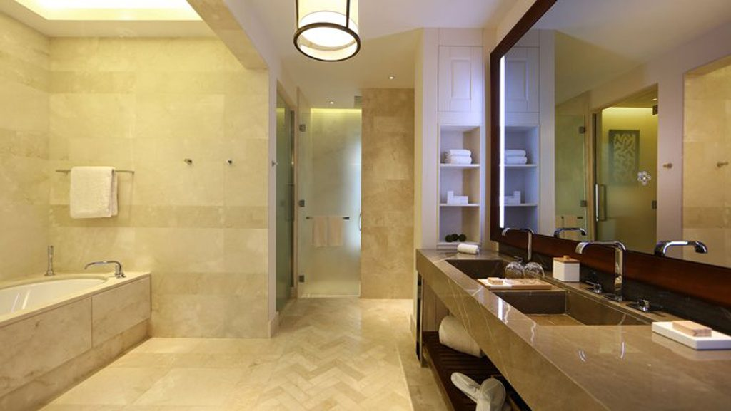 Park hyatt mallorca is now open for A bathroom item that starts with p