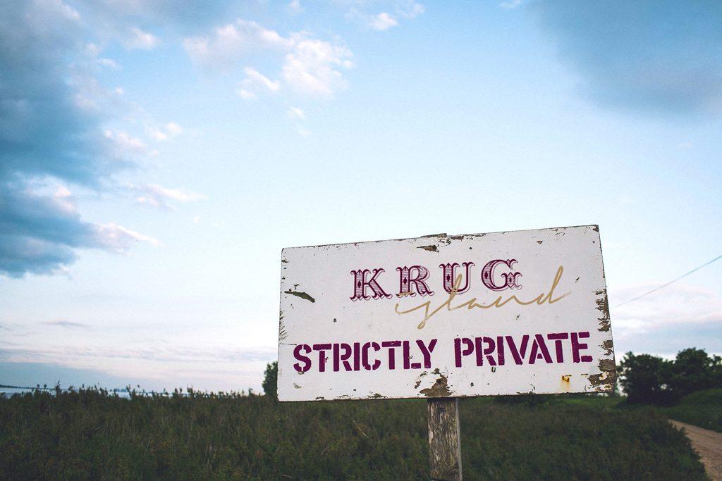 krug_island_sign (2)