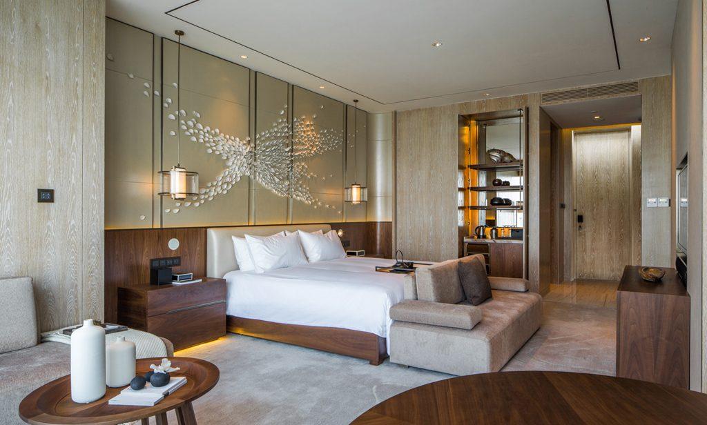 Conrad_Xiamen_King_Bedroom_HR