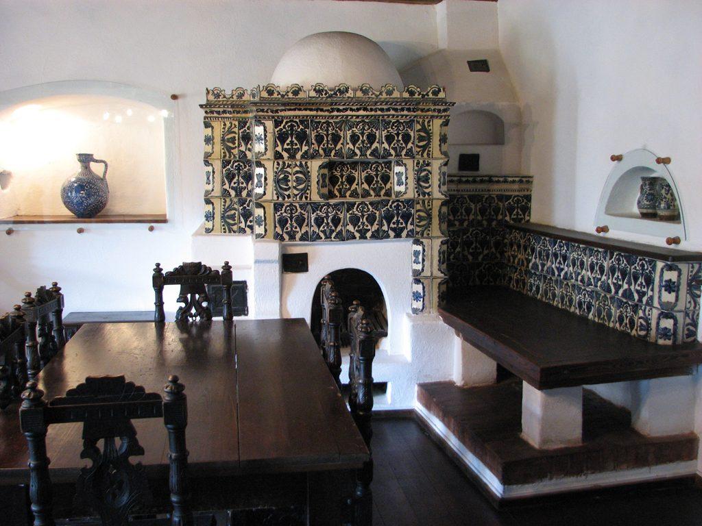 bran_castle_draculas_castle_1