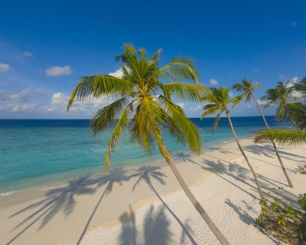 milaidhoo-maldives-beach-3