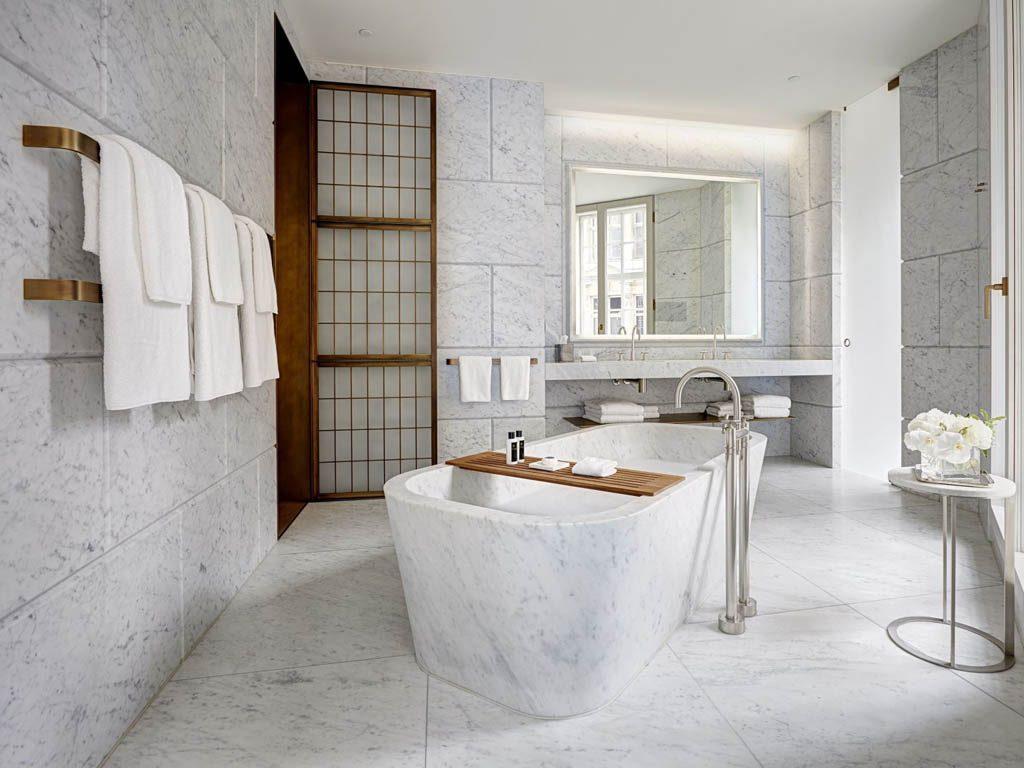 hotel-cafe-royal-regent-suite-bathroom-1