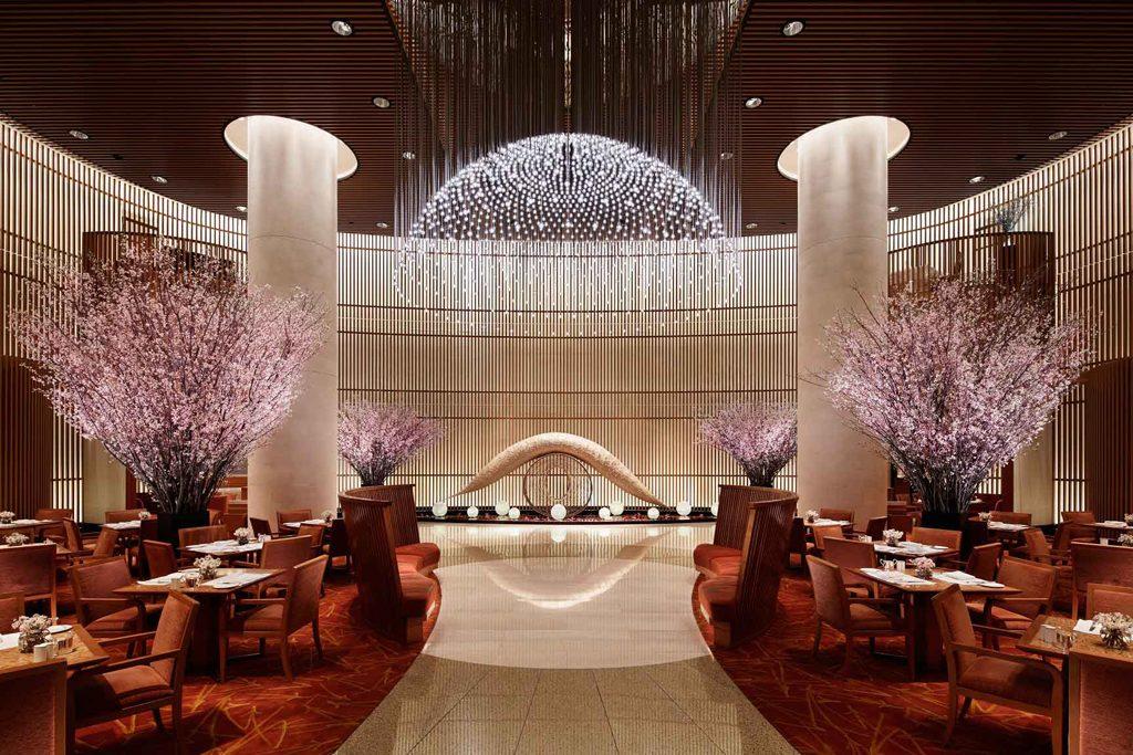 peninsula-tokyo-lobby-cherry-blossom