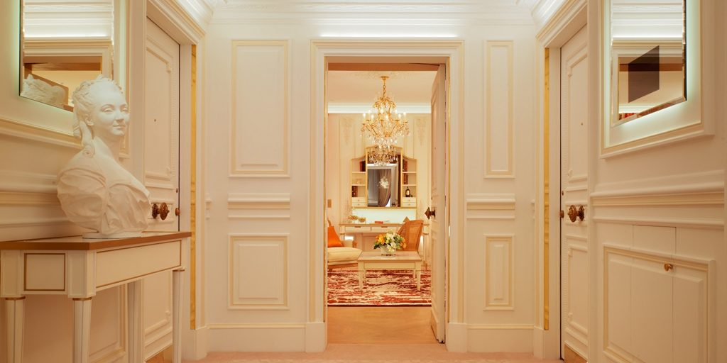 pompadour-suite-entrance-at-le-meurice