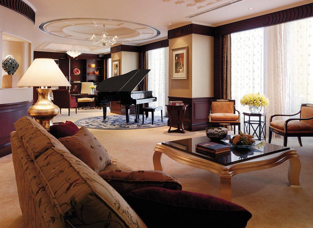 Shangri-La Hotel Singapore Suit 9
