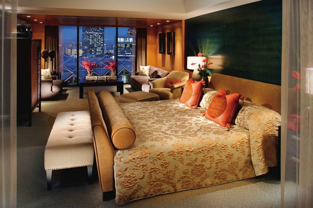 singapore-suite-premier-suite-bedroom-1