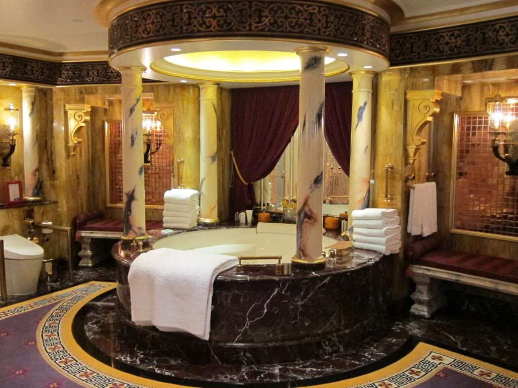 Here are the best presidential suites from dubai for Burj al khalifa hotel rooms